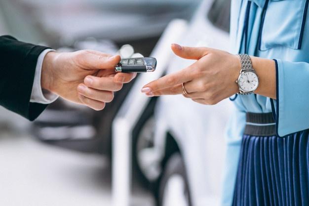 Quins papers cal portar al cotxe de forma obligatòria?